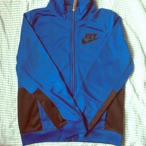 Nike sweater for boys SOLD!
